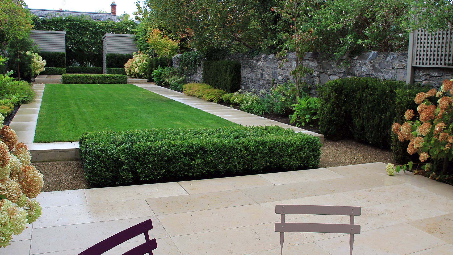 Large town garden damian costello garden design for Large patio design ideas